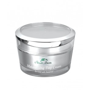 Nature's Secrets moisturizing day cream enriched with Tamarind