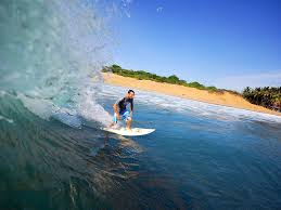 Surfing in Arugum Bay from May to October